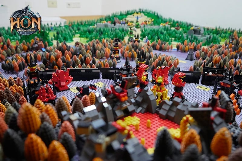 Heroes of Newerth - LEGO map 4