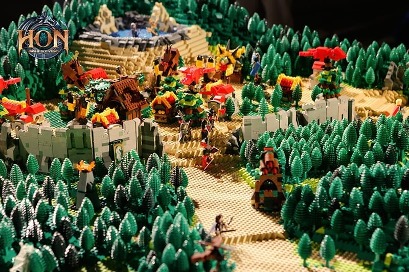 Heroes of Newerth - LEGO map 6