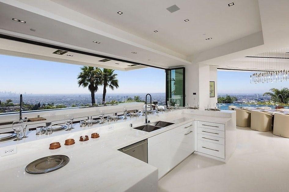 Notch LA mansion photo 6